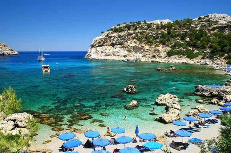 خليج القديس بولس في جزيرة رودس باليونان