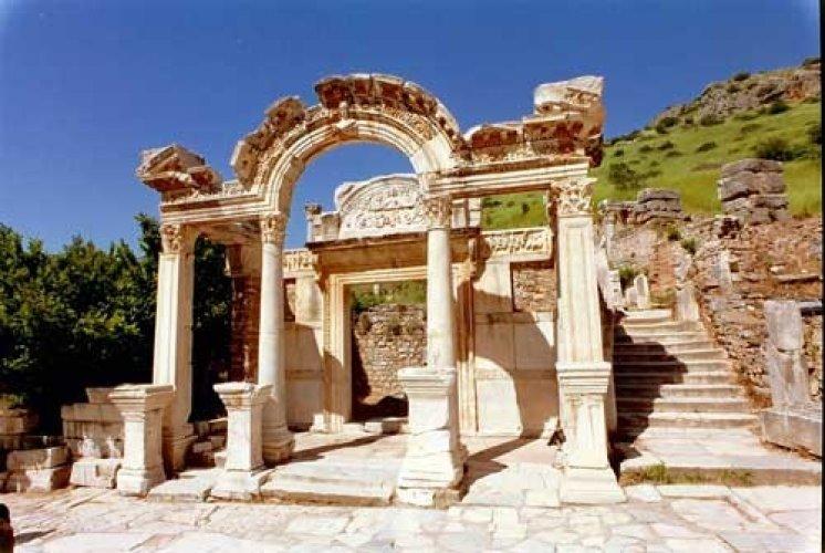 قصر كنوسوس في اليونان