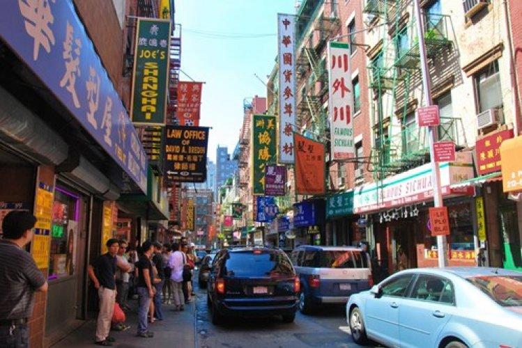 الحي الصيني أحد اكثر معالم السياحة في امريكا زيارة واقبالا
