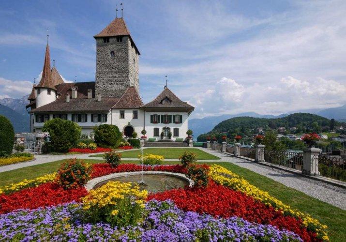 6 أنشطة سياحية يمكن القيام بها في قلعة سبايز في انترلاكن سويسرا