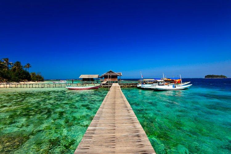 جزيرة كاريمون جاوا في اندونيسيا