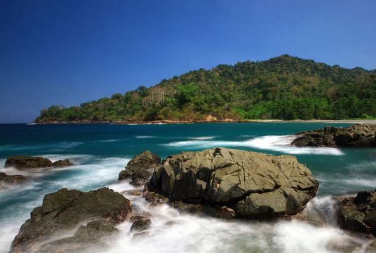 شاطئ راجنفيسي إندونسيا
