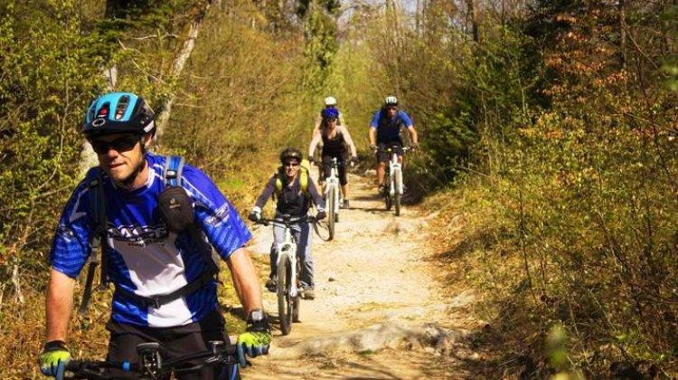 رياضة ركوب الدراجات في جبل سيمنوز