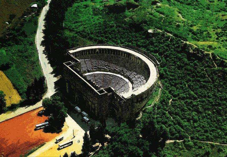 مسرح اسبندوس في أنطاليا