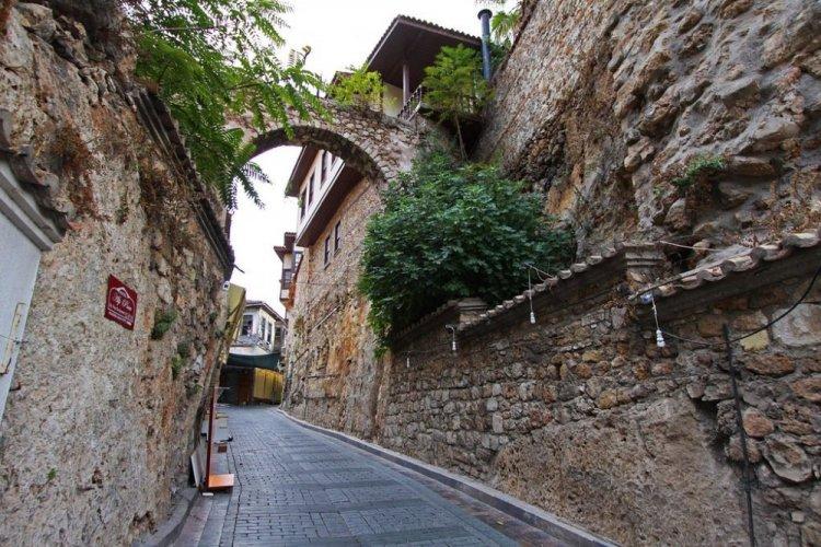 كاليسى المدينة القديمة في انطاليا