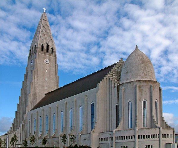 احدي واجهات كنيسة هالغريمور