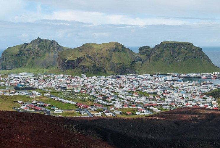 جزيرة هيماي في ايسلندا