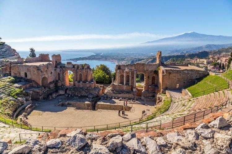المسرح الروماني في تاورمينا