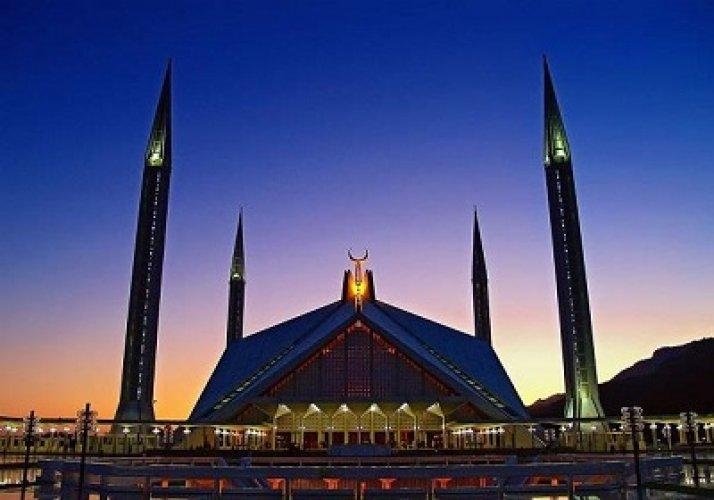 جمال البناء وروعة التصميم في مسجد الملك فيصل