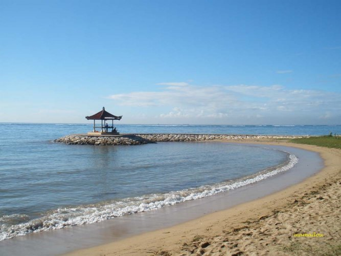 جمال شاطئ سانور في بالي