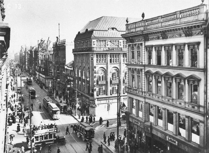 صورة قديمة لشارع فردريشتراسيه