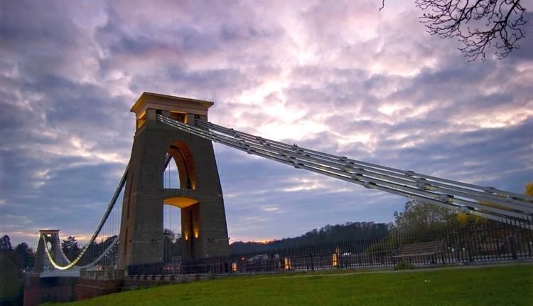 الجسر المعلق في مدينة بريستول
