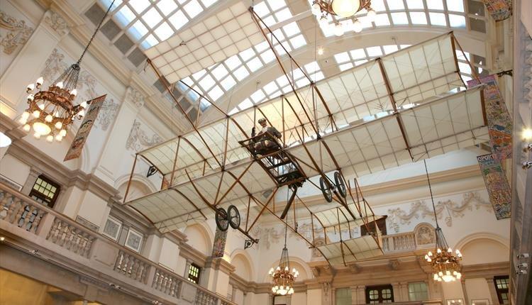متحف بريستول من الداخل