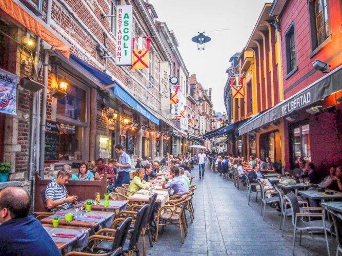 المطاعم والمقاهي في لوفين
