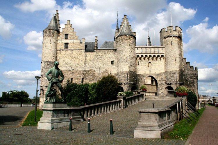 قلعة هيت ستين