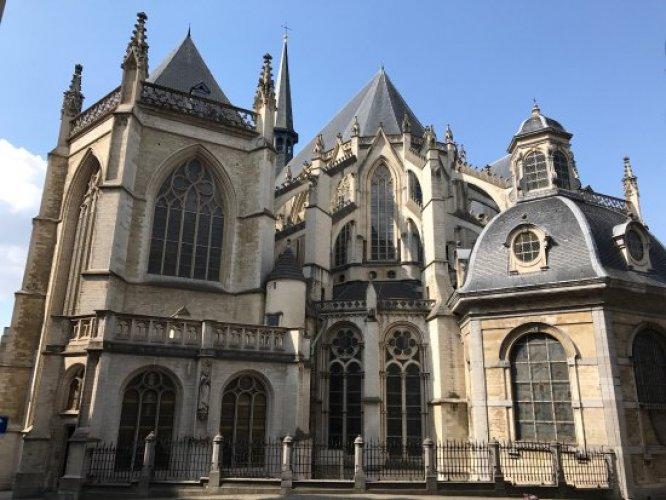 كاتدرائية سان مايكل وسان جودولا