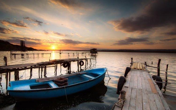 غروب الشمس ببحيرة فارنا