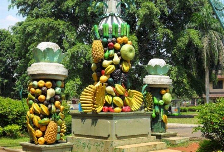 حديقة الفواكه مكارساري في بونشاك - إندونيسيا