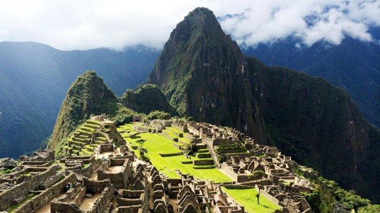 مدينة ماتشو بيتشو في بيرو