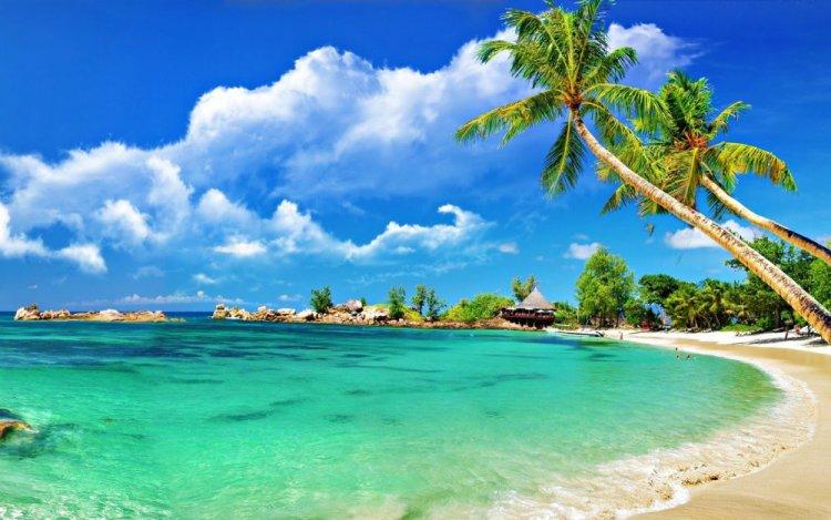 شاطئ الرمال البيضاء في تايلاند