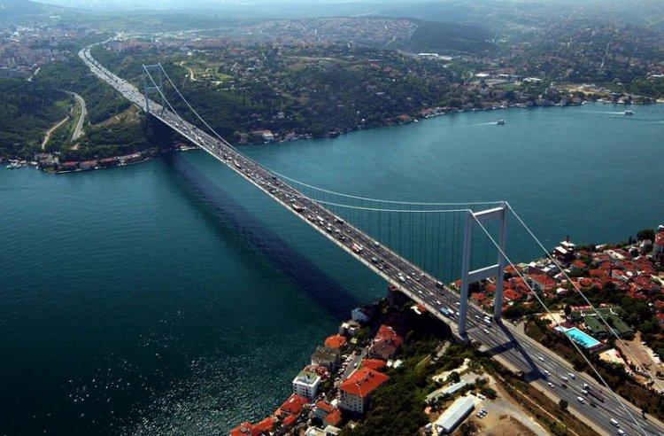 جسر السلطان محمد الفاتح في اسطنبول