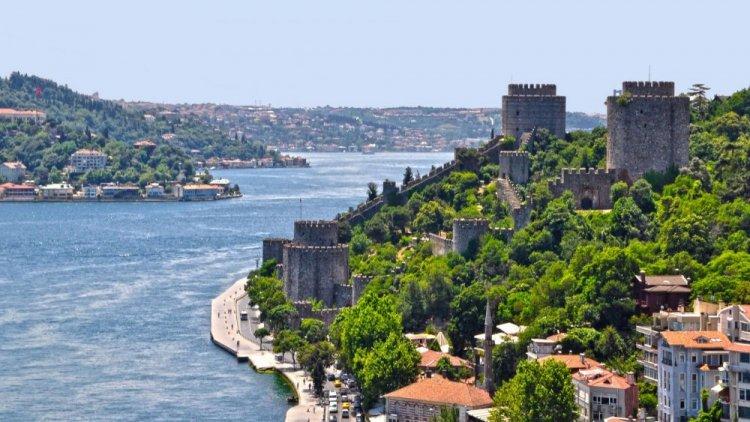 مضيق البسيفور في اسطنبول