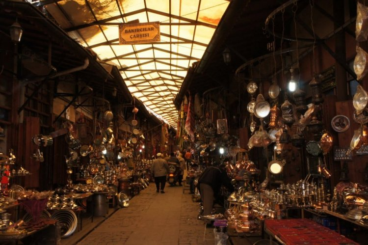 سوق النحاسين في اسطنبول