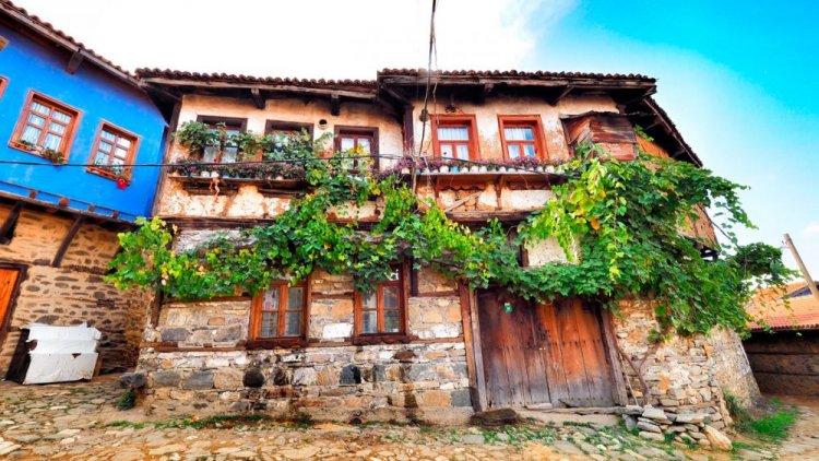 شوارع قرية جومالي كيزيك في تركيا