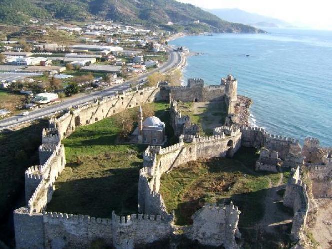 القلعة من الداخل