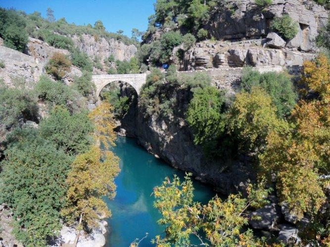 جمال الطبيعة في وادي كوبرولو في أنطاليا