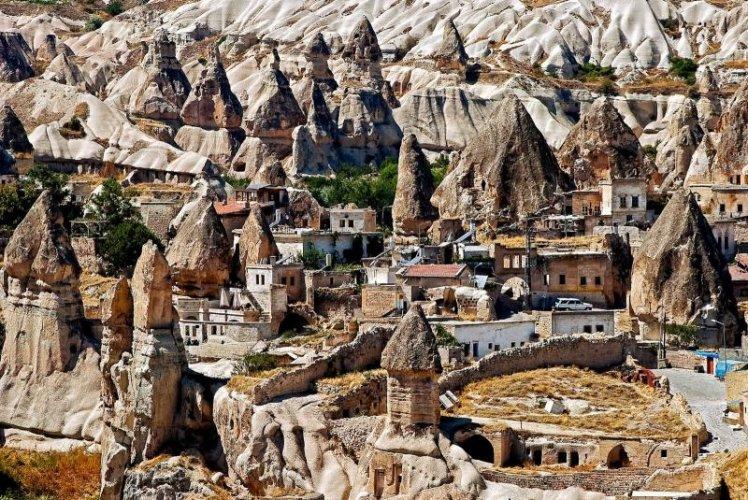مدينة كبادوكيا التركية