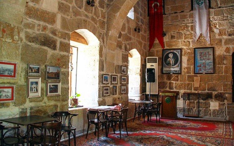 أحد قاعات قصر رمضان أوغلو