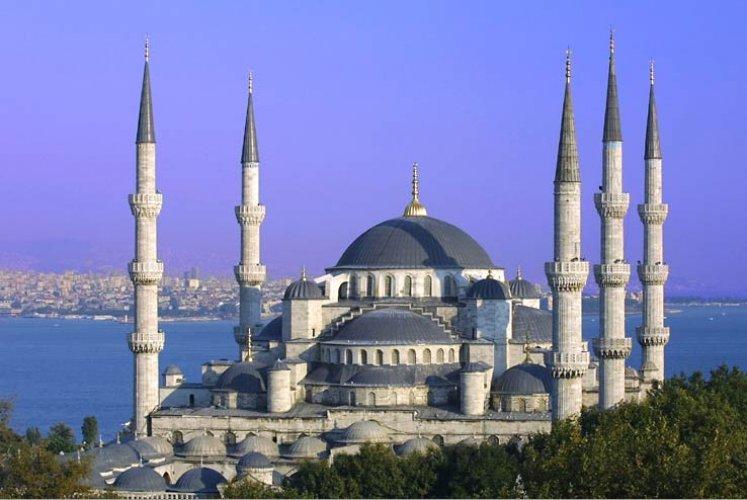 اطلالة مسجد السلطان ايوب في اسطنبول