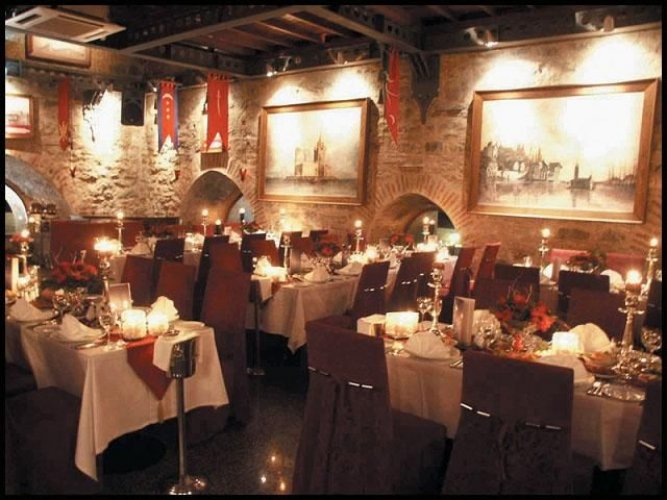 مطعم كيزكوليز من الداخل