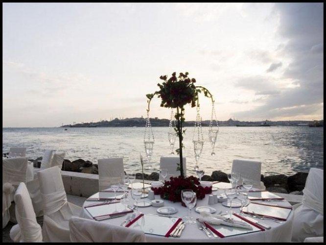 مطعم كيزكوليز المكان المثالي لراغبي الهدوء والرومانسية