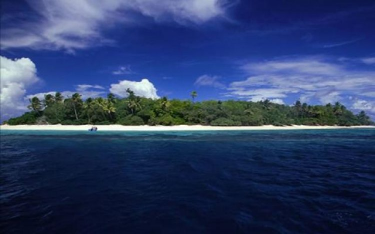 الغيوم في جزيرة توفالو