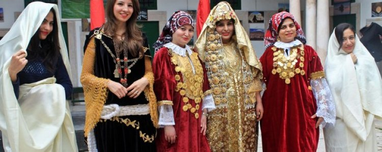 السفساري الزي الرسمي للنساء في تونس