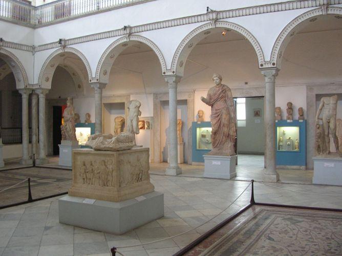 داخل متحف باردو تونس