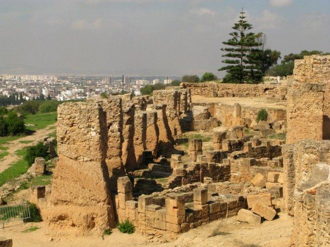 تلة بيرصا في تونس