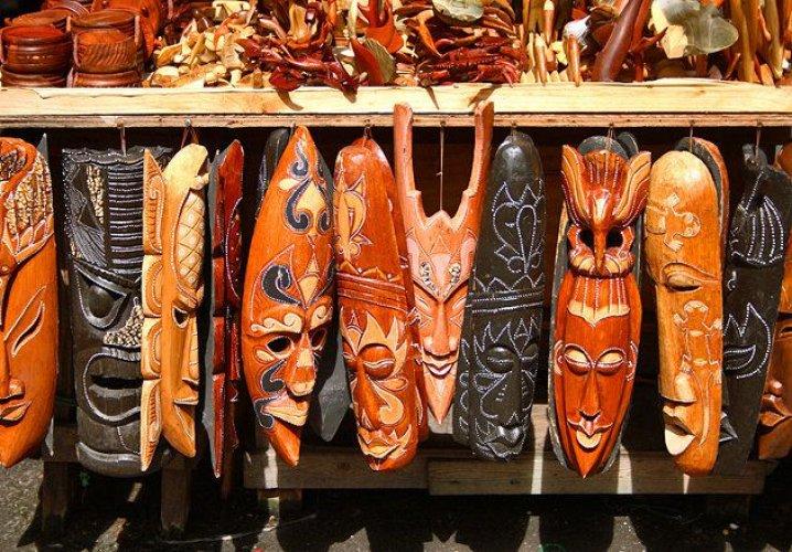 سوق ناساو سترو الشعبي