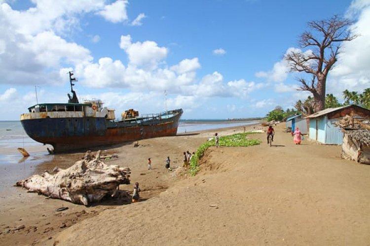 ساحل مدينة فومبوني