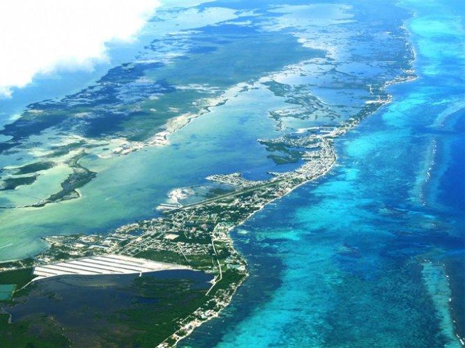 عنبر كاي تضم ثاني أكبر مجموعة من الشعاب المرجانية في العالم