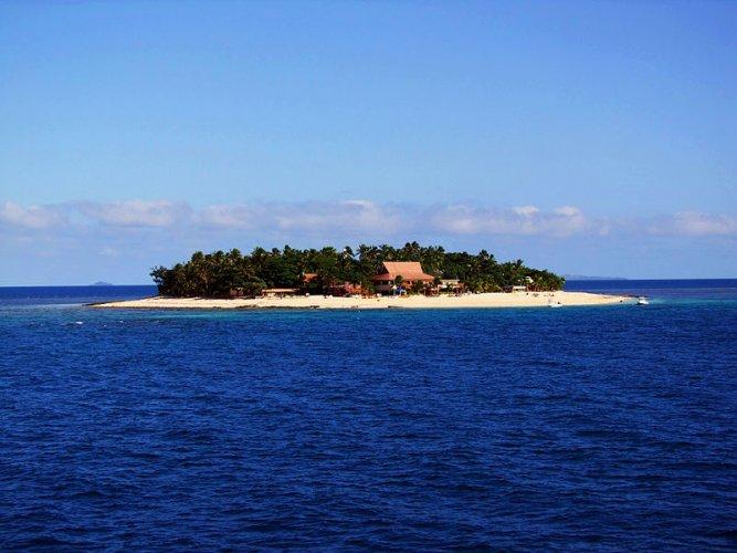 اطلالة احدى الجزر على المحيط