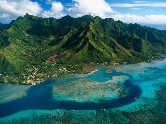 جزر موريا من أعلى