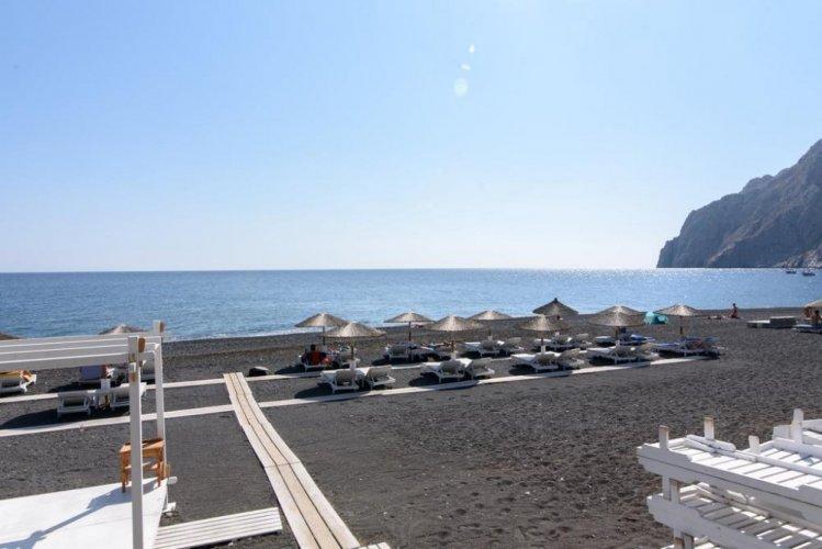 شاطئ كماري في اليونان