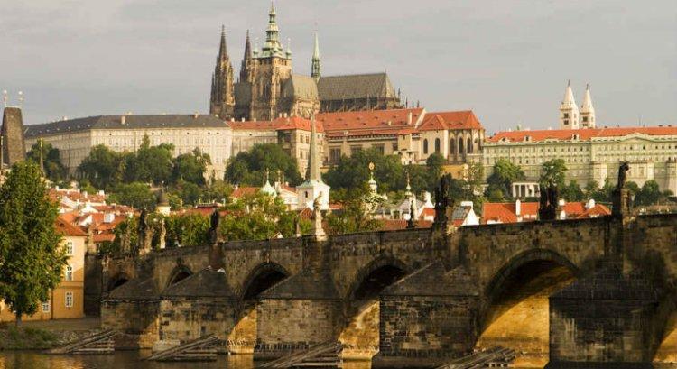 قلعة براغ
