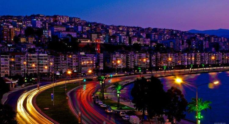 شارع روستافلى الشهير في مدينة تبليسي - جورجيا