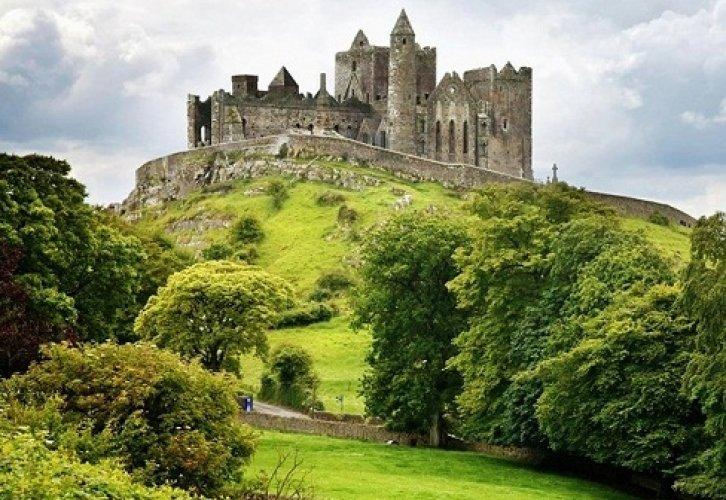 قلعة صخرة كاشيل في دبلن