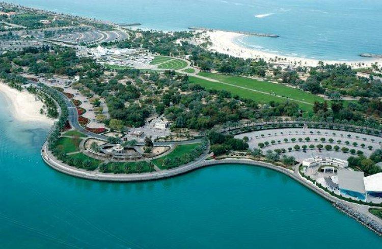 شواطئ دبي الساحرة