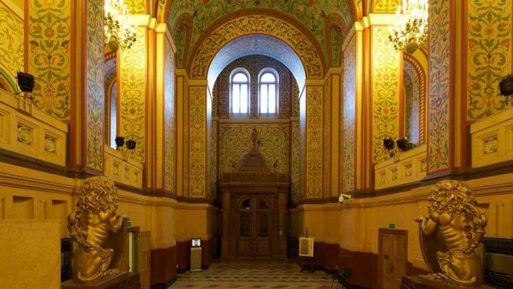 مدخل متحف الدولة التاريخي في موسكو